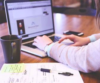 una-buena-idea-es-que-contengan-plantillas-descargables-de-social-media-e-books-e-incluso-cursos-en-linea